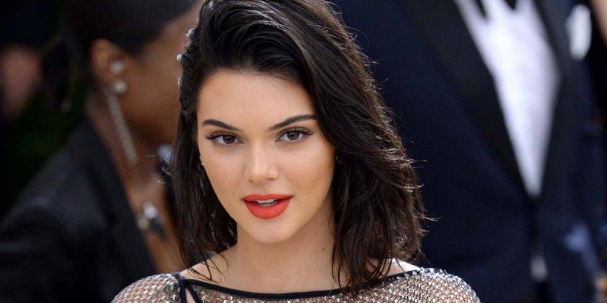 Kendall Jenner posa sin ropa y sus pies recibieron duras críticas y burlas