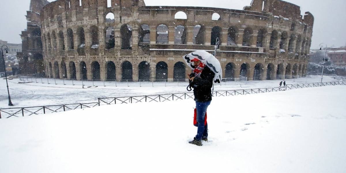 Una nevada inusual cubre Roma de blanco