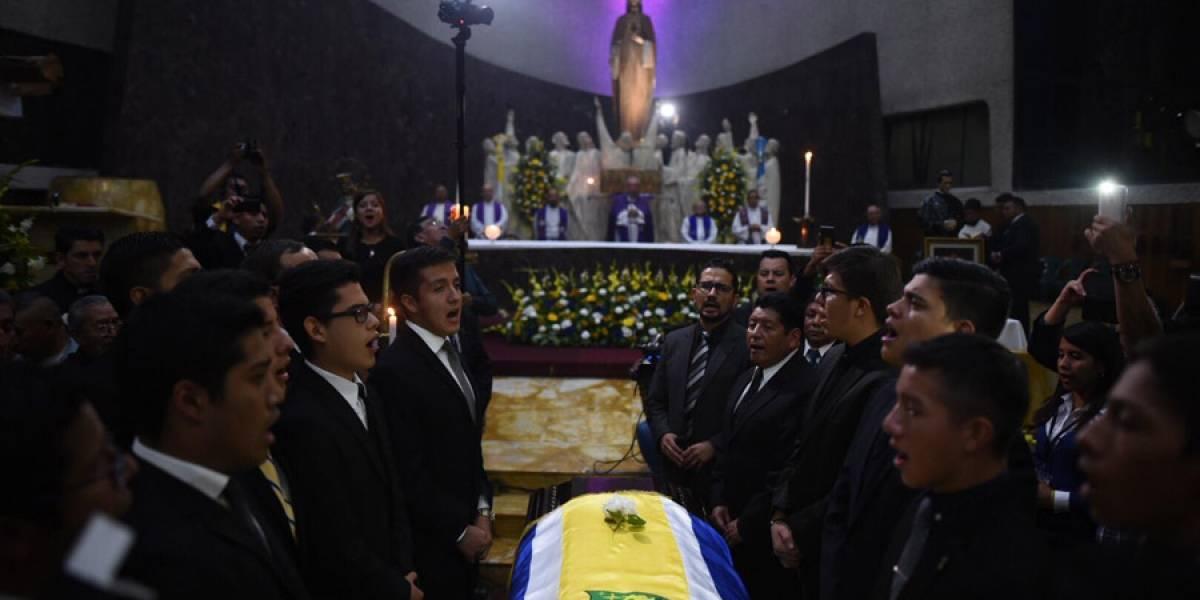 Los salesianos rinden homenaje a uno de los suyos, Mons. Óscar Julio Vian Morales