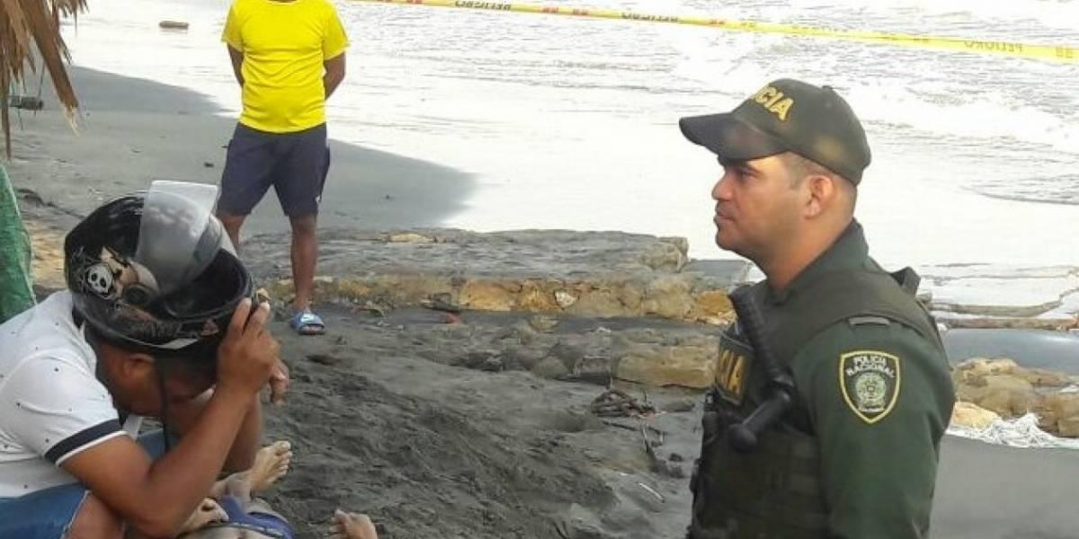 Tras presuntamente atracar a un taxista, lo persiguieron, se lanzó al mar y se ahogó
