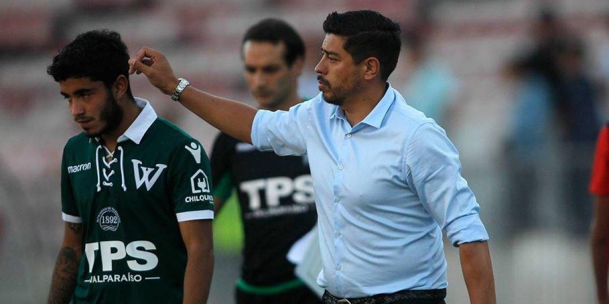 Nicolás Córdova se fue entre pifias y en silencio tras una nueva caída de Santiago Wanderers