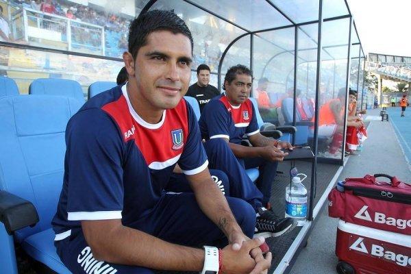Miguel Riffo vivirá su segunda experiencia como DT titular en Iquique. Antes estuvo en La Calera / Foto: Photosport