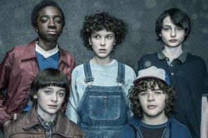 Stranger Things: elenco tem aumento e Millie Bobby Brown vai receber 10 vezes mais
