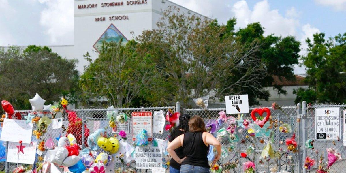 Vuelven los estudiantes de la escuela en Florida donde ocurrió masacre de San Valentín