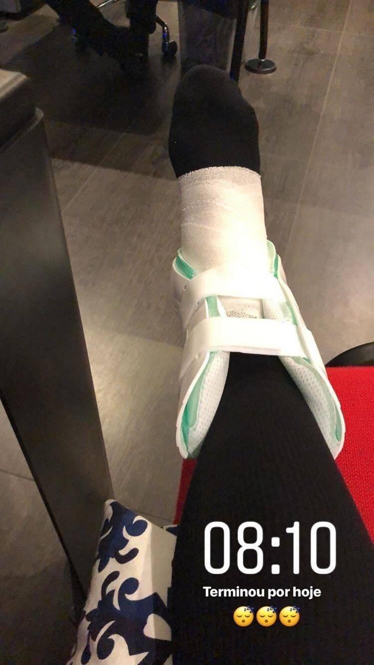 Neymar compartió una foto tras salir del hospital.