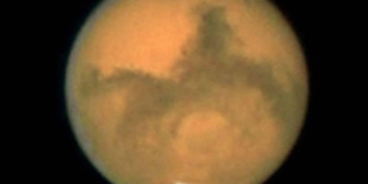 Más cerca de la vida en el planeta rojo: descubierta una enorme reserva de agua líquida bajo la superficie de Marte