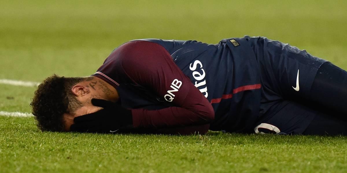 Neymar estaría fuera de las canchas dos meses