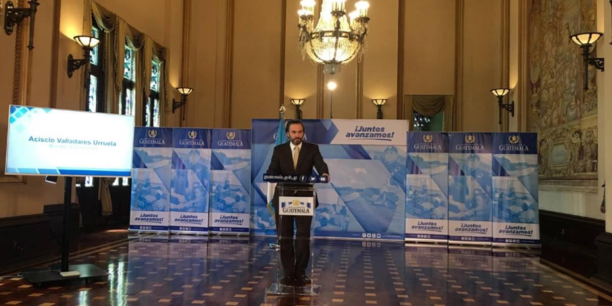 Ministro de Economía destacó detalles sobre viaje a Colombia