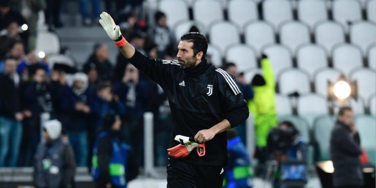 Técnico interino de Italia hizo una propuesta a Buffon a la que no se resistió