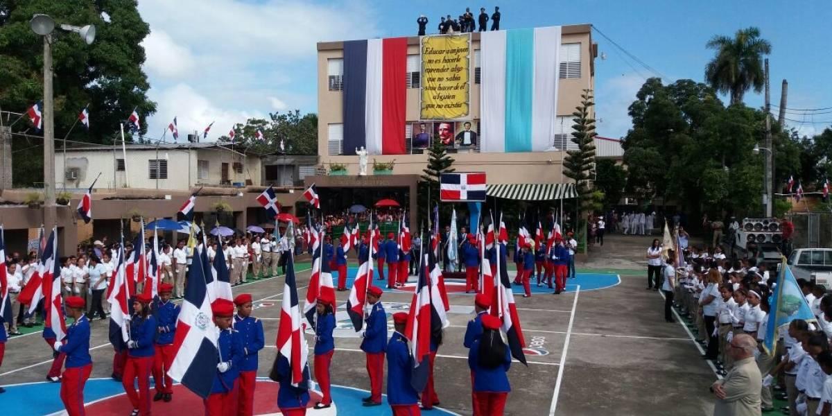Estudiantes Colegio Parroquial realizaron desfile por Independencia Nacional