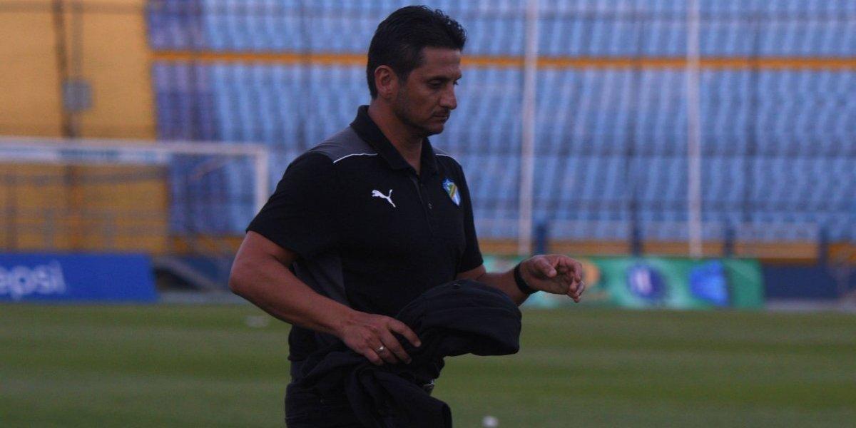 Ronald González se marcha en silencio