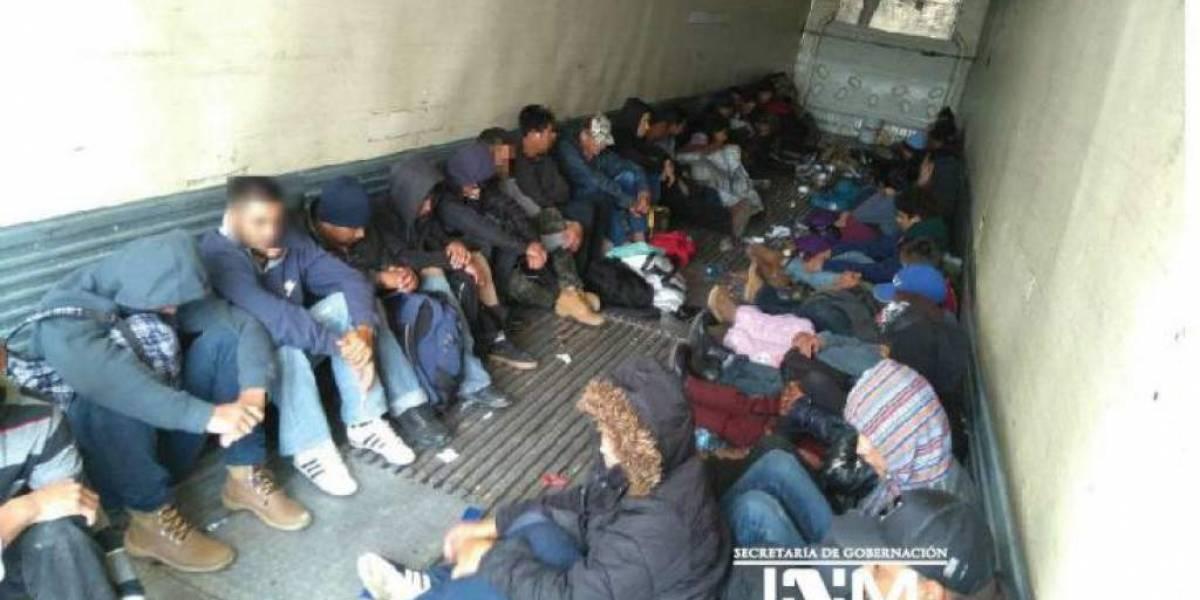 Un ecuatoriano entre los 137 migrantes hacinados en un tráiler en México