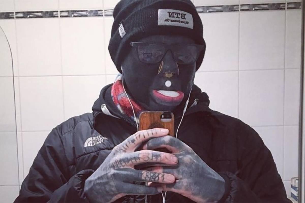 Hombre Con Tatuajes En El Ojo Cara Y Boca Nueva Mujer