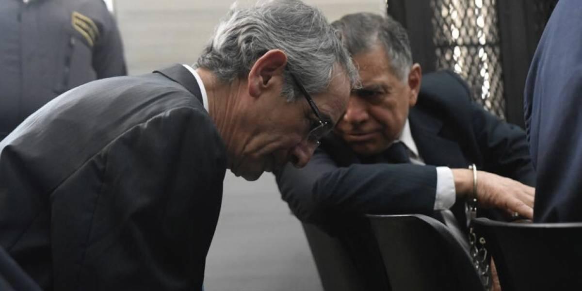 Juez decidirá si liga a proceso al expresidente Colom y a su gabinete