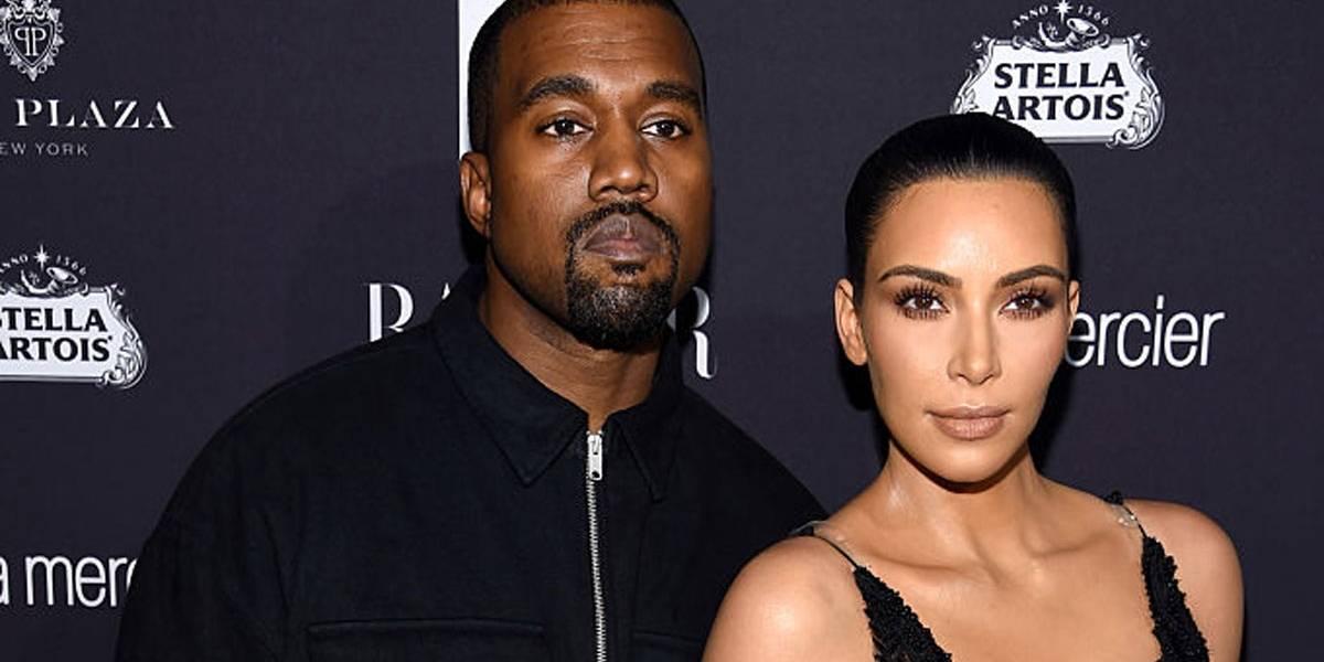 Kanye West faz xixi na rua e Kim Kardashian fica morta de vergonha