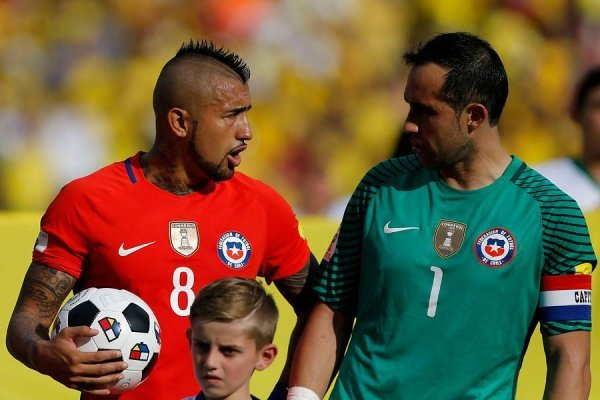 Bravo y Vidal deberán solucionar sus problemas / imagen: Photosport