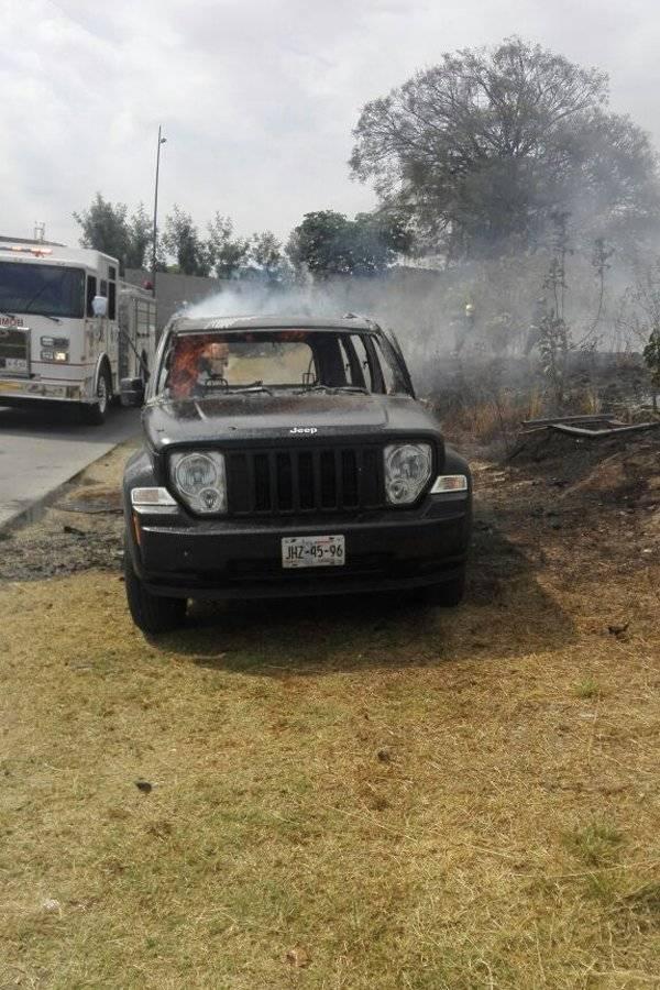 Localizan cuerpo y camioneta en llamas junto al Parque Metropolitano