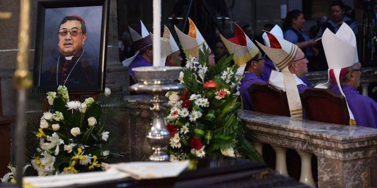 Dan último adiós al arzobispo metropolitano Óscar Vian