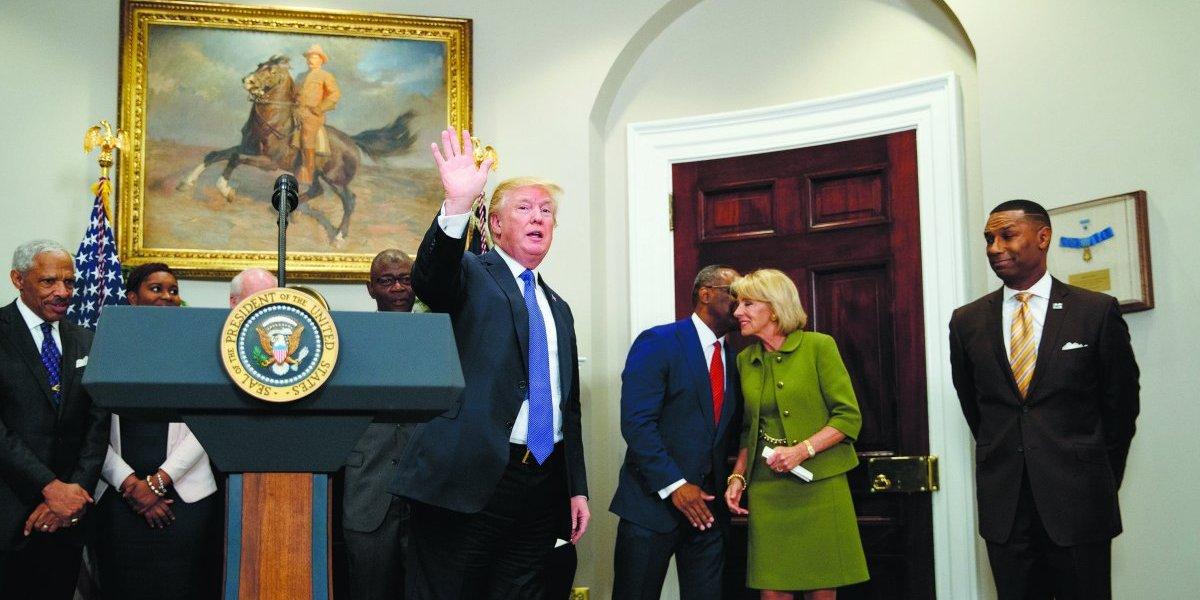 Trump acuerda construir avión con un costo de casi 4 mil mdd