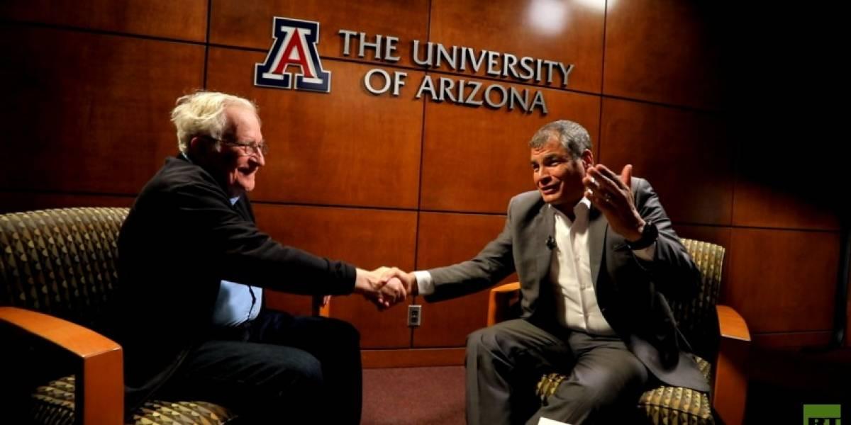 Correa a Chomsky: 'No estoy muy de acuerdo con usted profesor'