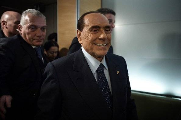 "Silvio Berlusconi, ""el primer Trump"", va por su cuarto mandato."