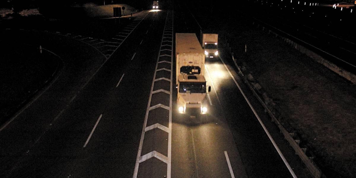 Alagamentos bloqueiam pista expressa da Rodovia Anchieta