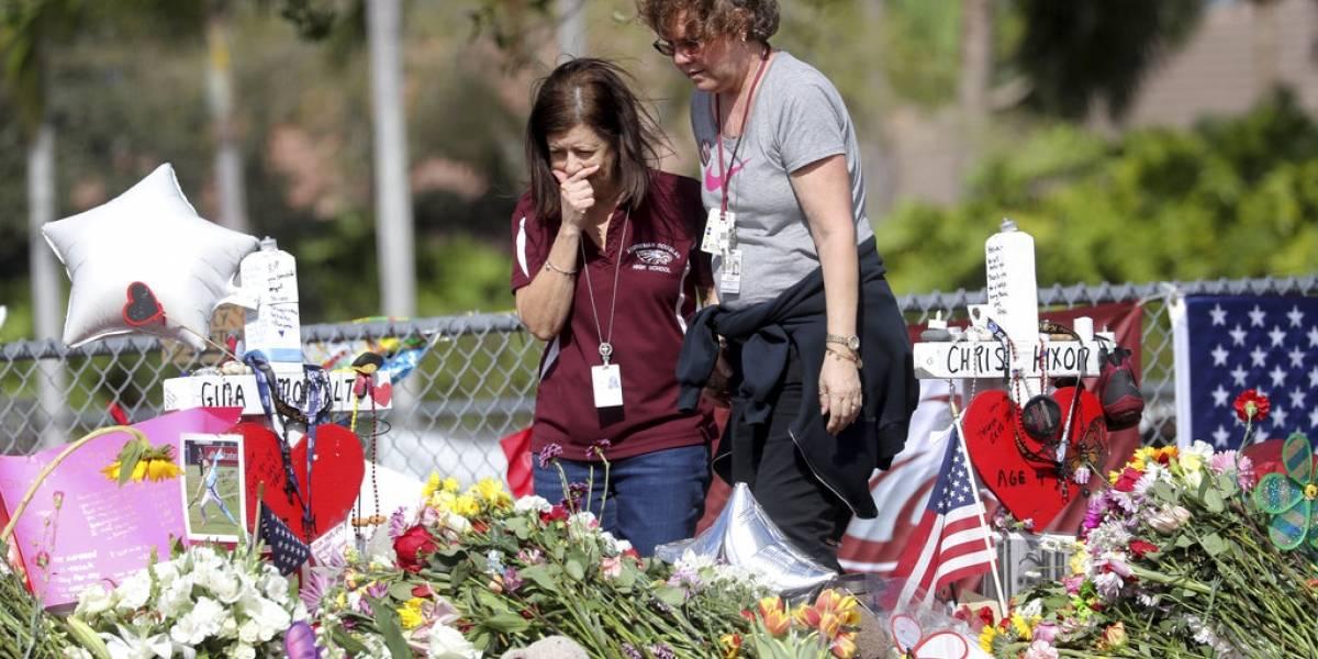 Cadena de tiendas de armas suspende venta de fusiles automáticos