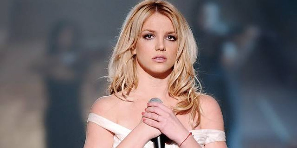 Britney Spears presume cuerpazo en los Hollywood Beauty Awards