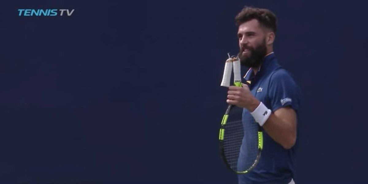 Insólito: tenista francés devolvió un servicio y el mango de su raqueta se le rompió