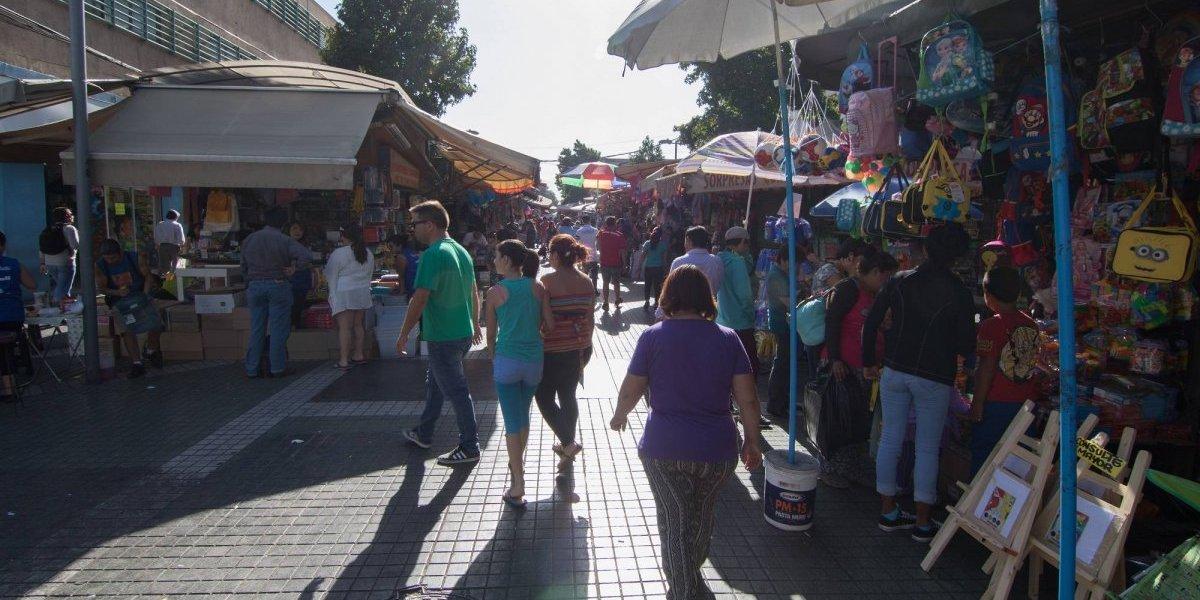 Tradicionales son las compras de última hora: Barrio Meiggs recibirá 150 mil personas diarias