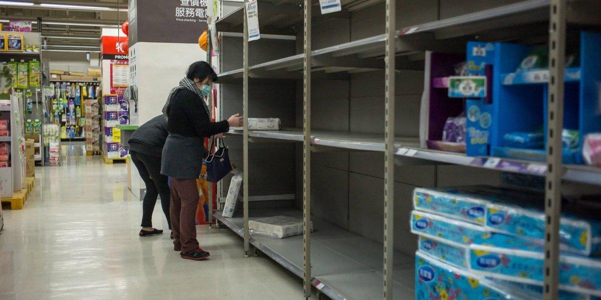 Pánico se apodera de Taiwán y provoca desabasto de papel higiénico