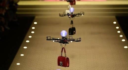 Drones desfilam na Dolce & Gabanna Reprodução
