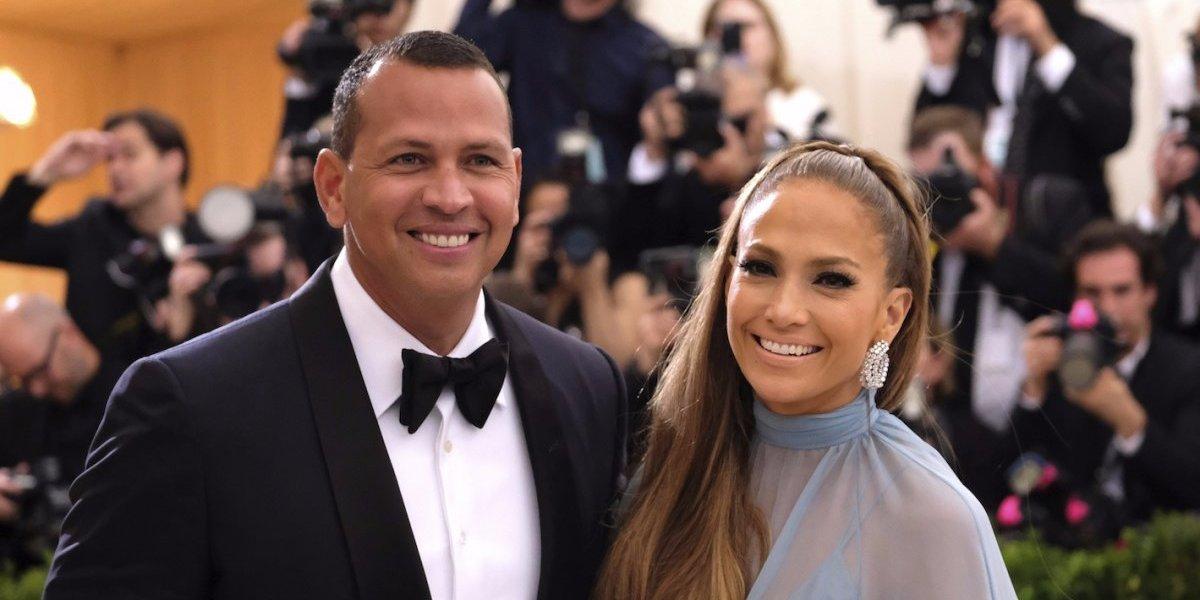 Revista asegura cuándo se casará Jennifer López y quiénes cantarán