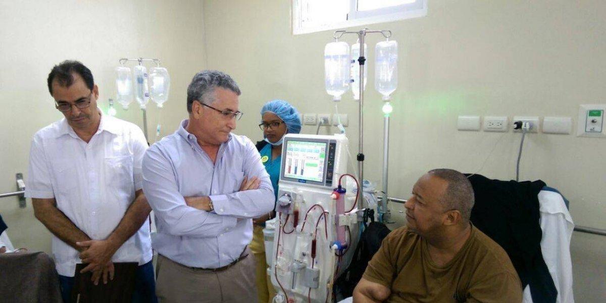 José Natalio Redondo es reconocido por aporte a la sala de Hemodiálisis