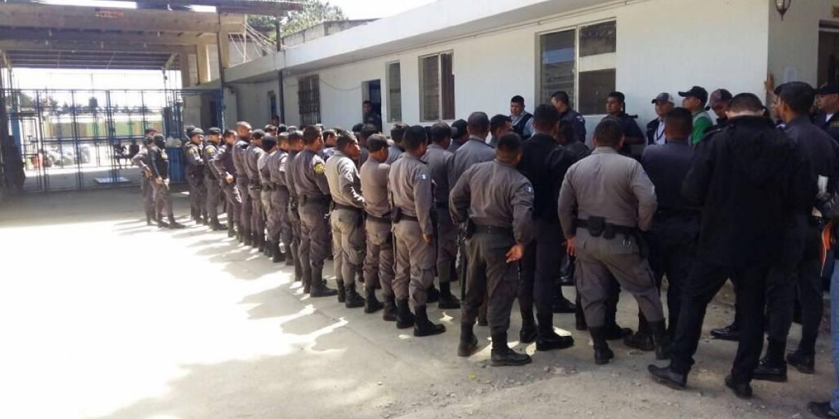 Localizan vodka, vino y cervezas durante requisa en cárcel Pavoncito