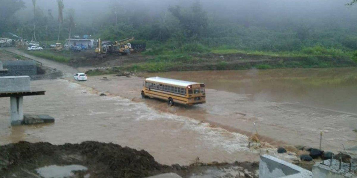 Municipio anuncia reparación de puente afectado por huracán
