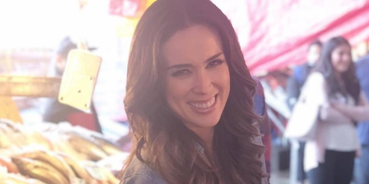 Asombrados fanáticos de Jacky Bracamontes con foto suya en Miss Universo