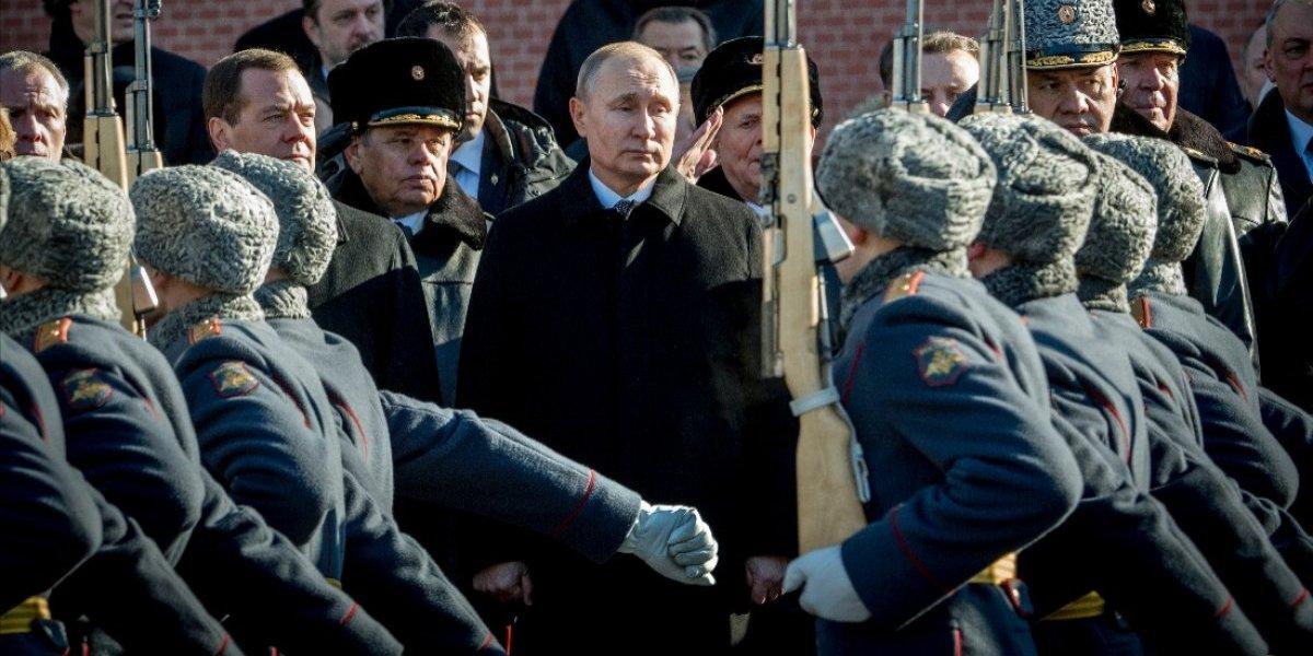 Presidente de Rusia pide a la policía esforzarse en la seguridad durante el Mundial