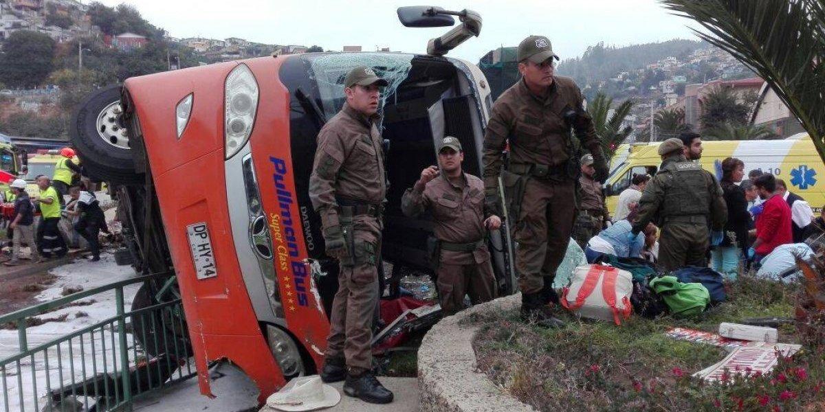Volcamiento de bus en Valparaíso: lesionados aumentan a 45, hay uno con riesgo vital y otro sufrió una amputación