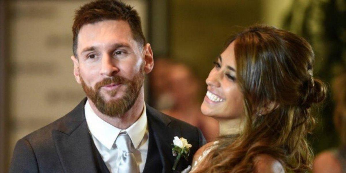 FOTO. Antonela Roccuzzo deja ver su pancita materna en compañía de Messi