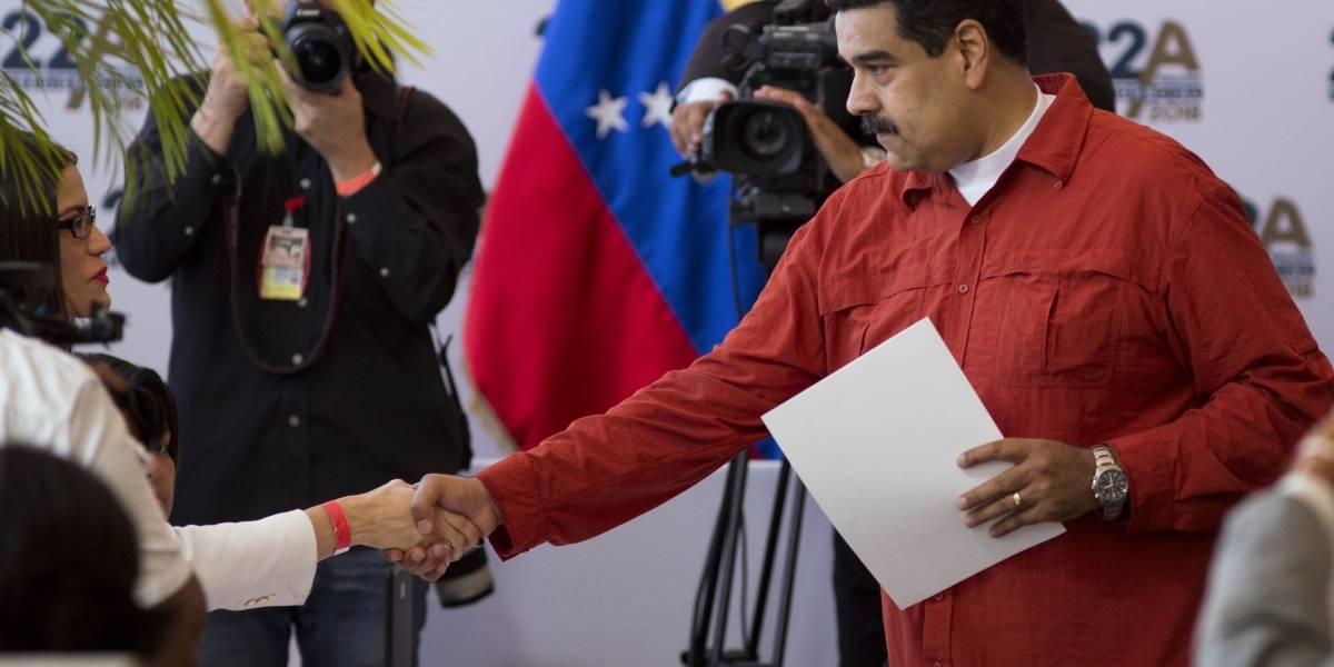 Venezuela: Oficialismo da pie atrás y posterga las elecciones presidenciales hasta mayo