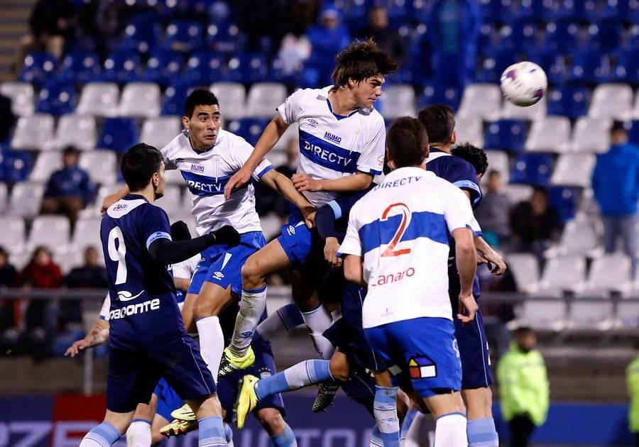 Francisco Sierralta jugó 4 partidos y anotó 2 goles por el primer equipo de la UC. Aquello se dio durante la era Mario Salas / Foto: Agencia UNO