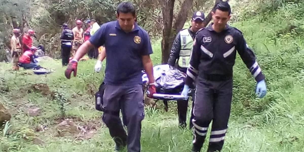 Dos personas mueren tras accidente en la vía al Sigsig