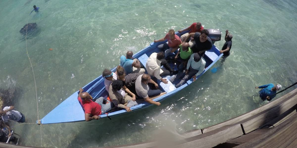 Actores invitan a reflexionar sobre los viajes en yola