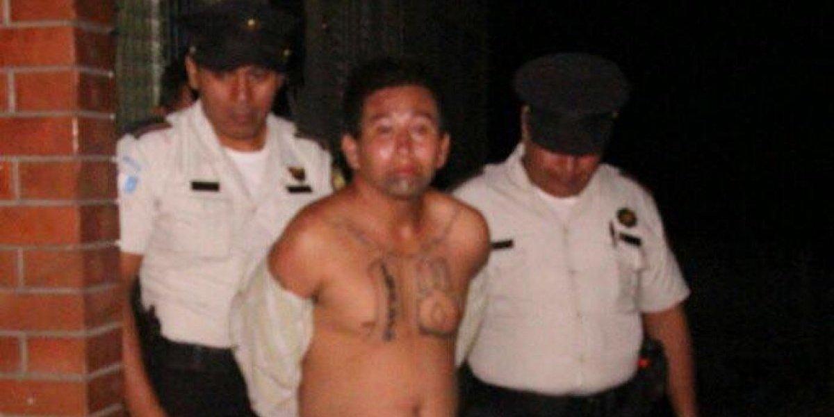 Capturan a presunto sicario con un notorio tatuaje con un mensaje para su mamá