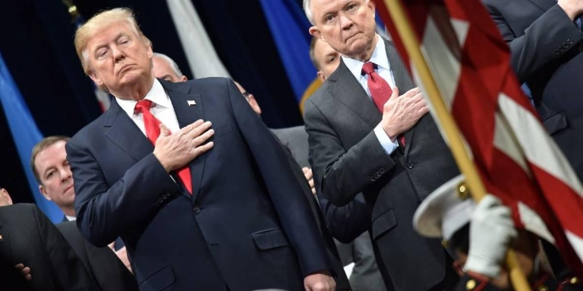 Sessions responde a críticas de Trump sobre gestión del FBI
