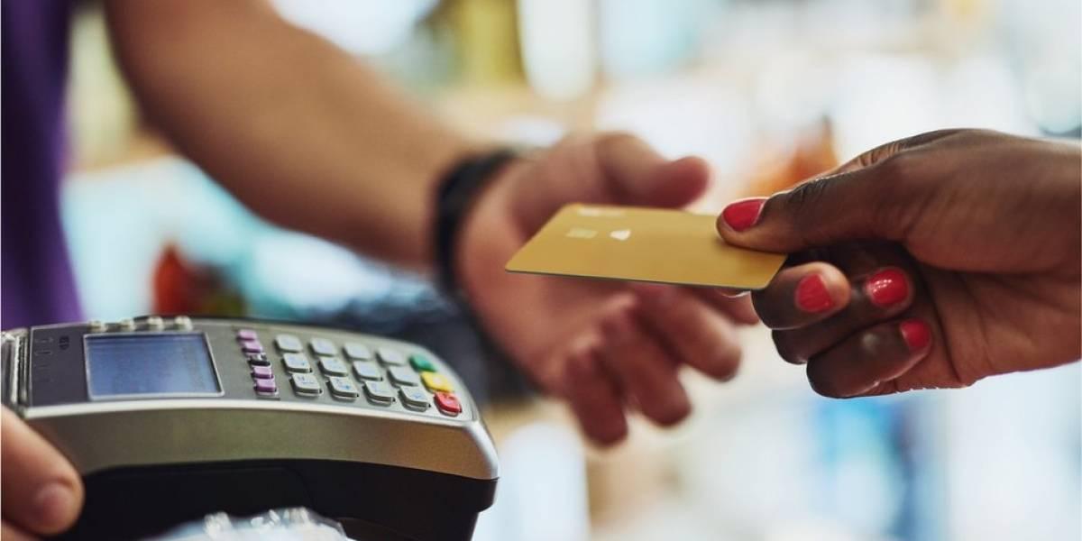 """""""Deixava de comer para pagar dívidas"""": o vício em comprar, que atinge ricos e pobres"""