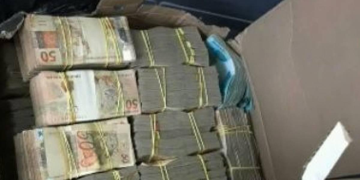 Polícia encontra R$ 2 milhões dentro de carro na zona oeste de São Paulo