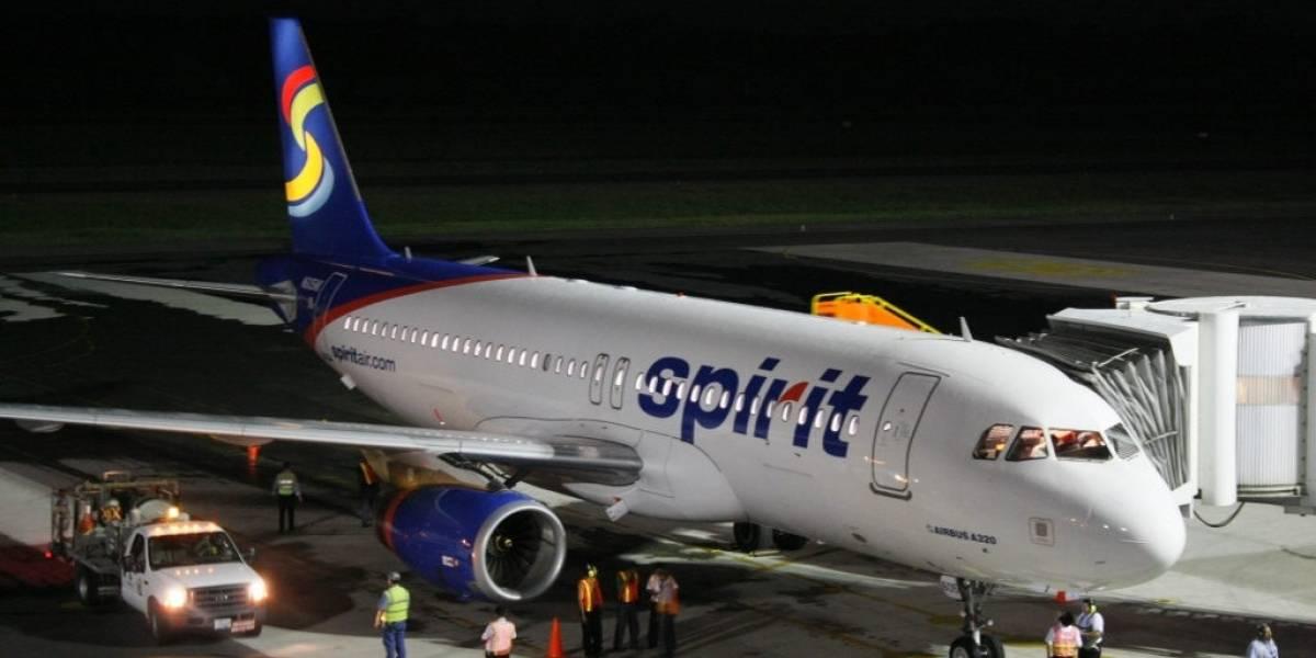 Estuvo cerrado aeropuerto de Cartagena por alteración de pasajera en pleno vuelo