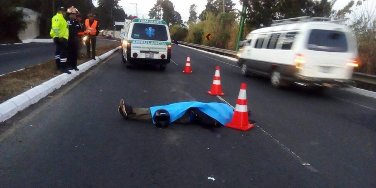 Motorista fallece tras colisionar con un caballo en ruta a El Salvador